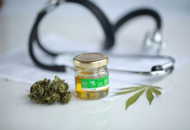 Confused about the New CBD Oil Packaging Laws? Read This